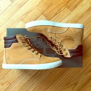 Timberland Dausette Sneaker Boot size 6.5
